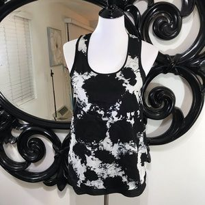 Kensie Size XS black and cream racer back look